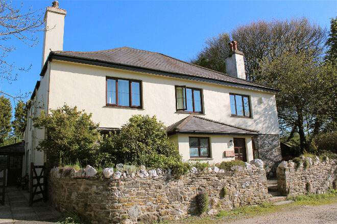 The Farmhouse Sleeps 20-24 Devon